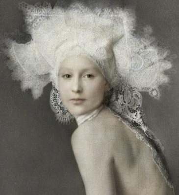 Isabelle Van Zeijl, Her (2017)